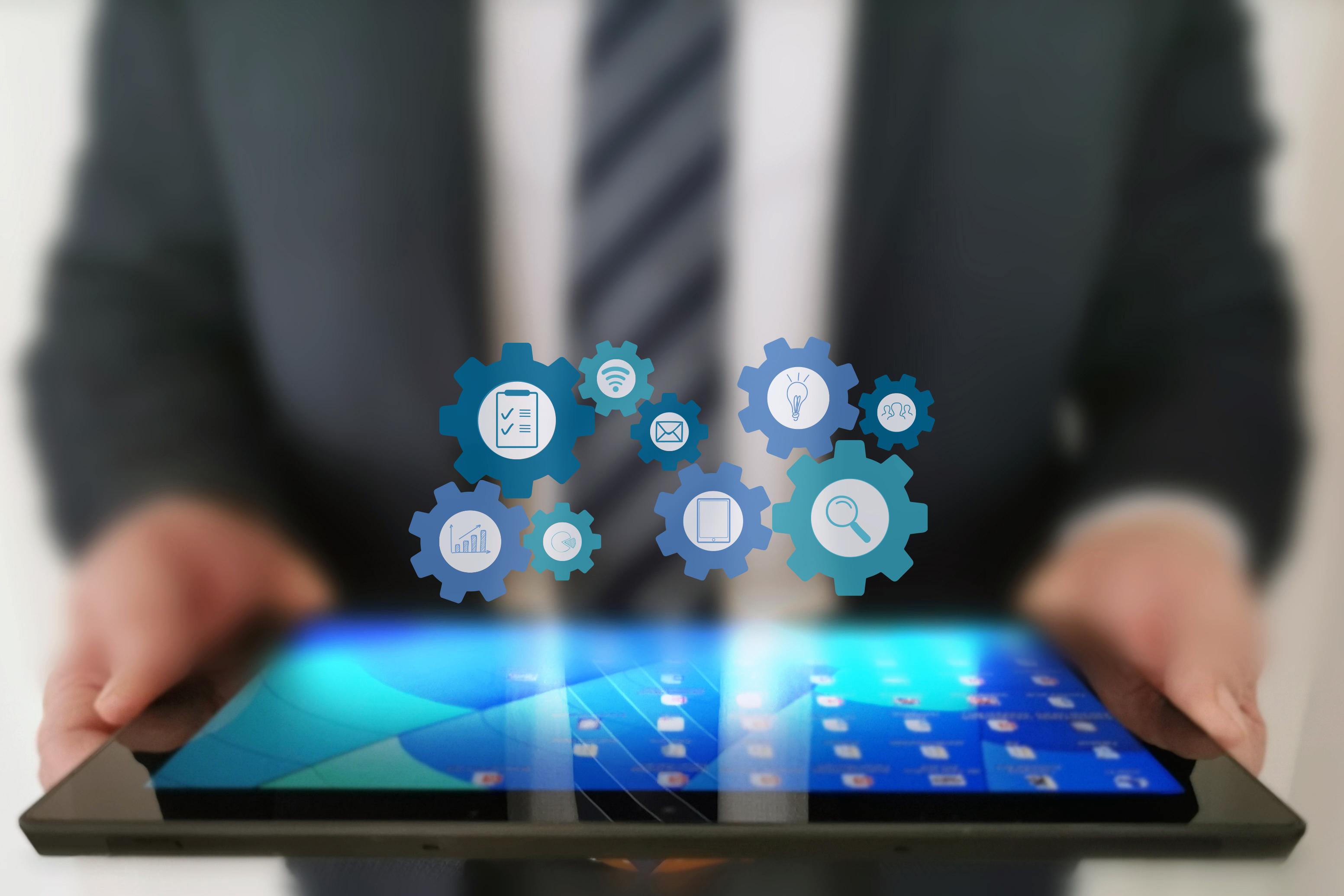 Hier wird ein Tablet mit allen Instrumenten angezeigt, über die ein Digital Business Manager Kenntnis haben sollte